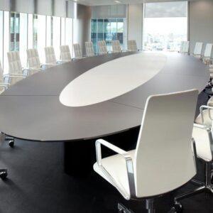 Овальный стол для переговорной MOMENT